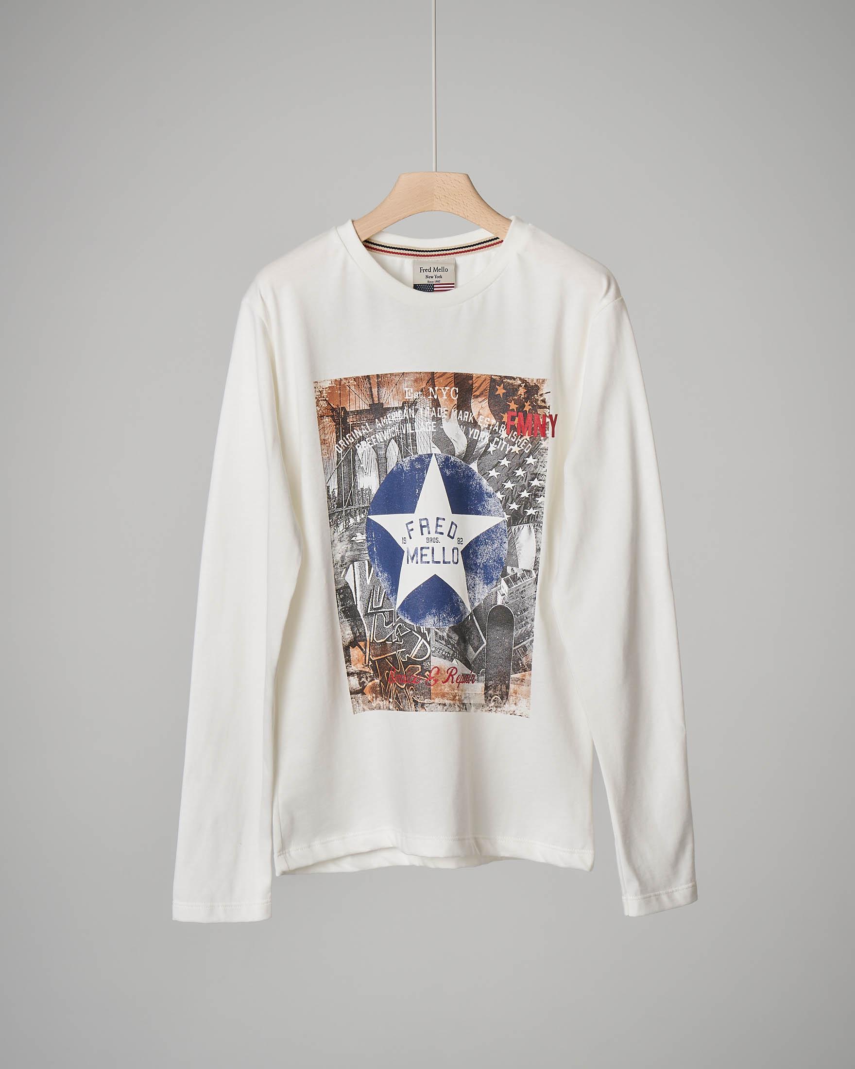 T-shirt bianca a manica lunga con stampa e8df4fee3de