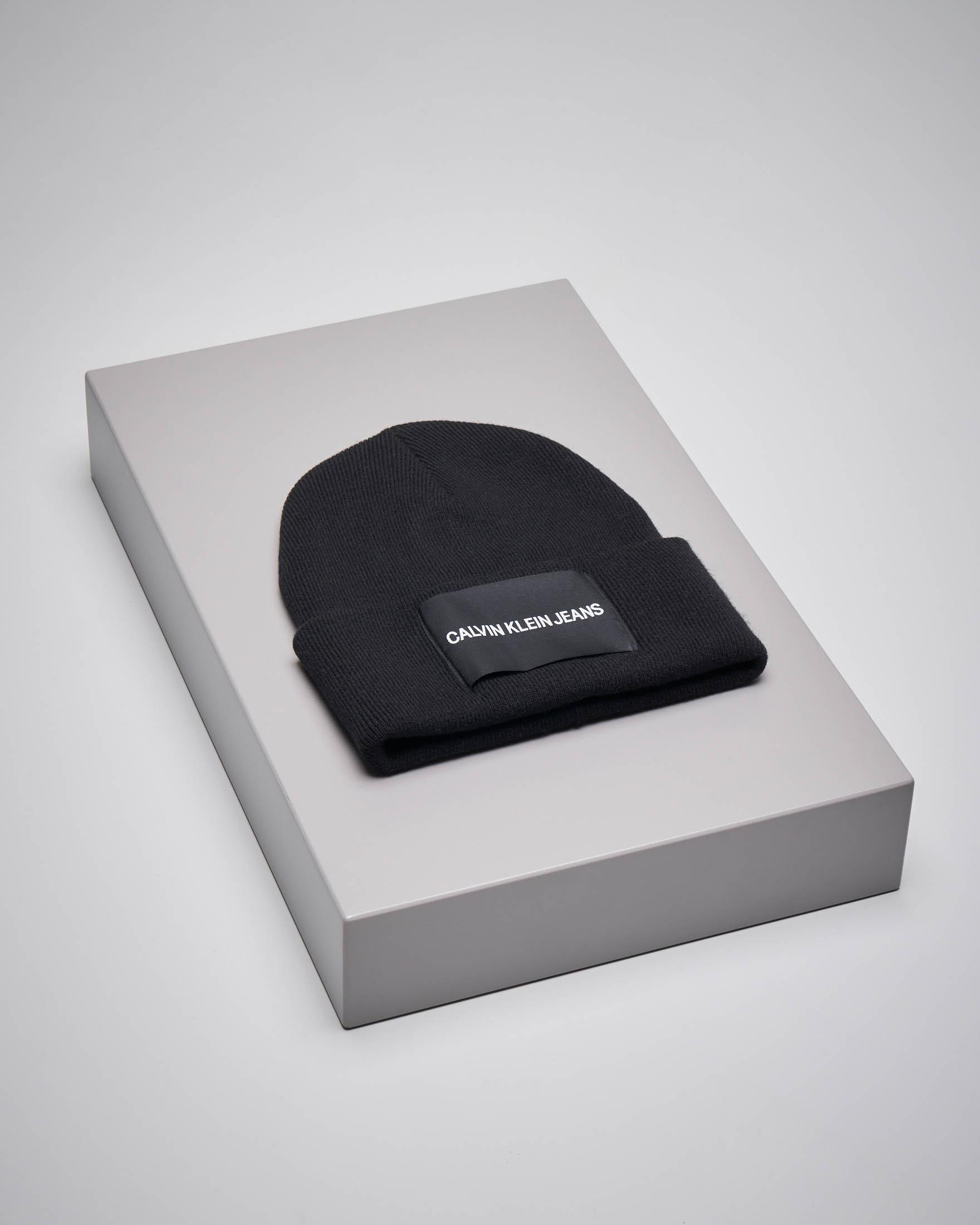 Berretto in misto lana nero con logo
