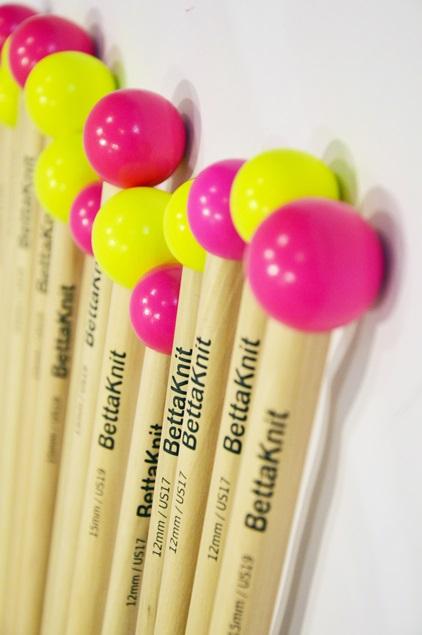 Knitting Needles - Supplies - Set of Beechwood knitting needles - 1